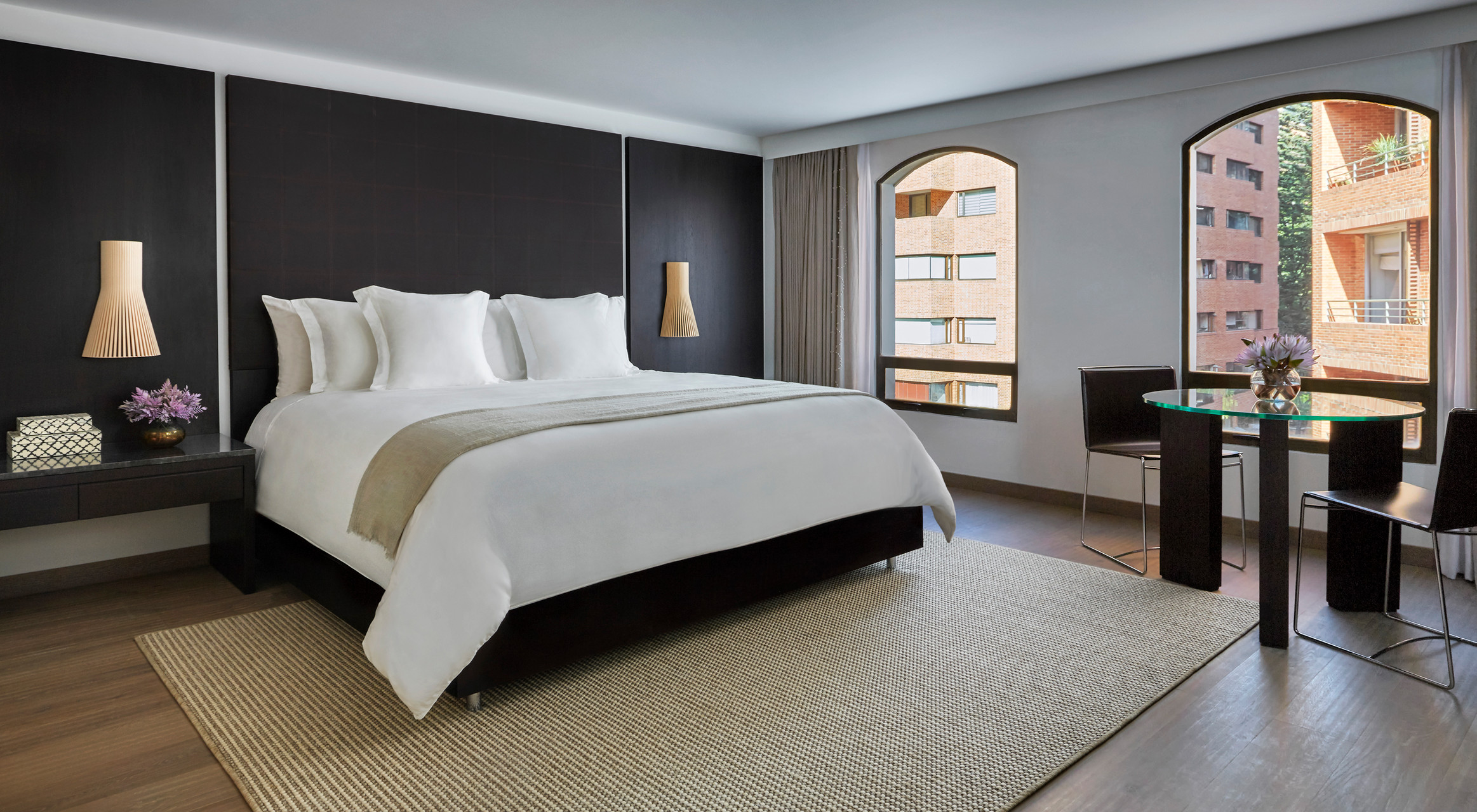 Four seasons second colombian hotel four seasons bogota for Luxury hotel bogota