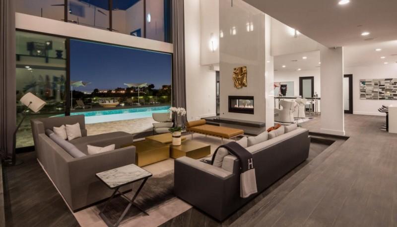 John_Legend_Chrissy_Teigen_Beverly_Hills_home_2