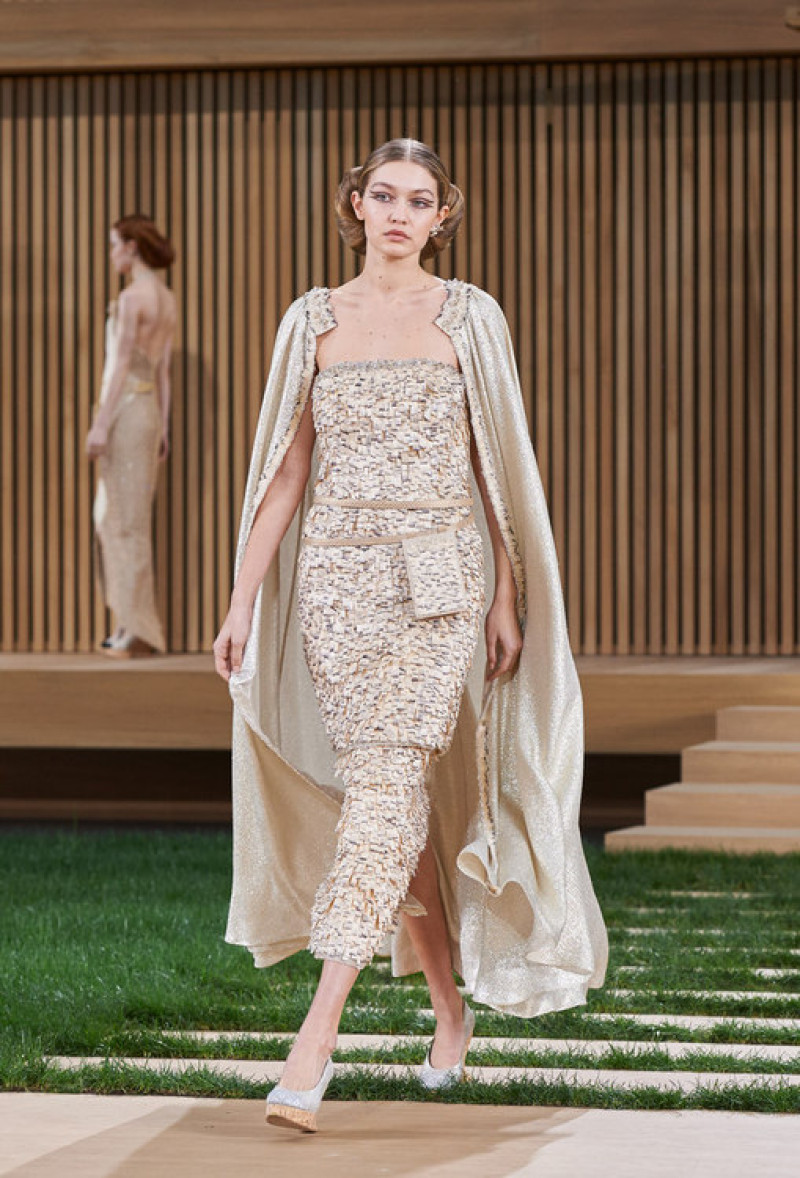 chanel-spring-summer-2016-haute-couture-gigi_hadid