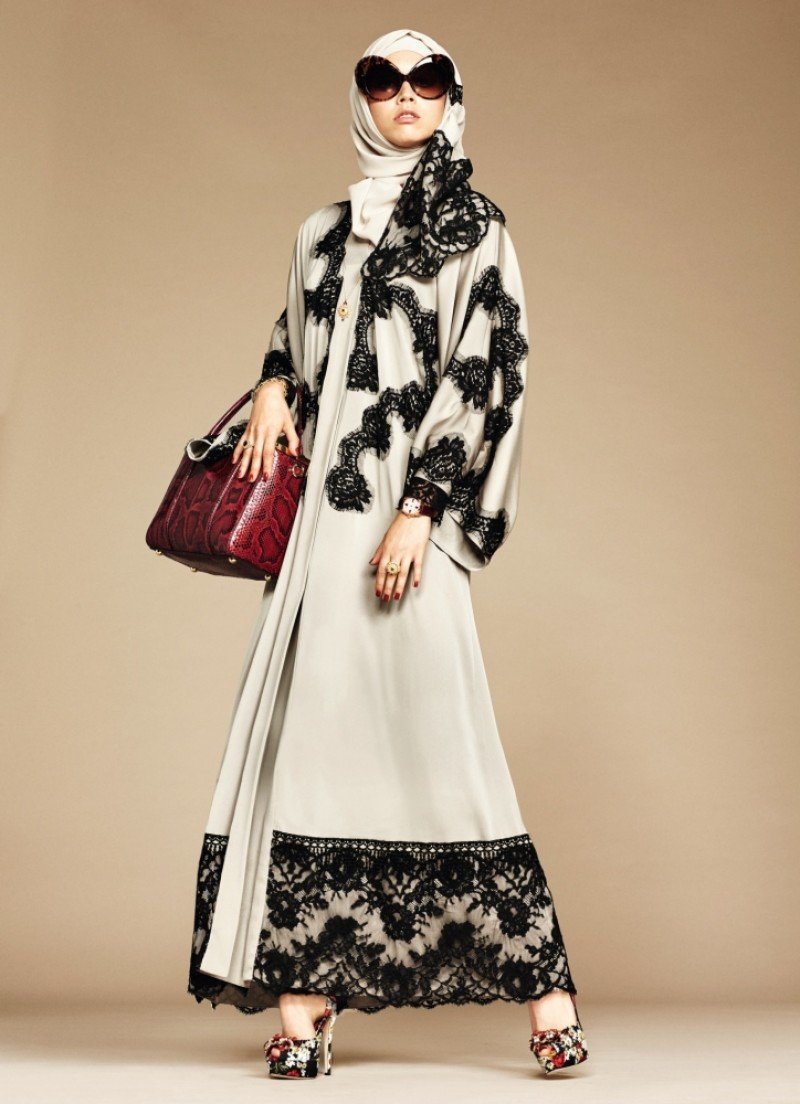 dolce-gabbana-abaya-collection_1