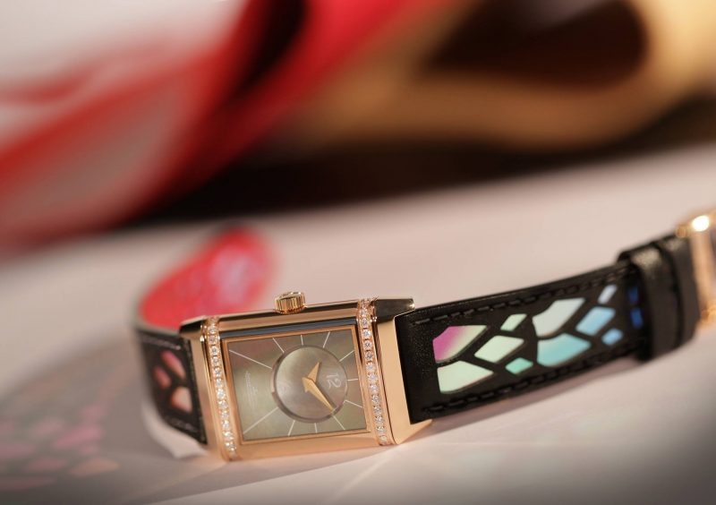 Jaeger-LeCoultre-Reverso-by-Christian-Louboutin_3
