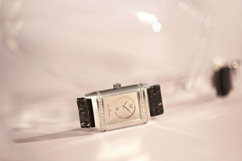Jaeger-LeCoultre-Reverso-by-Christian-Louboutin_6