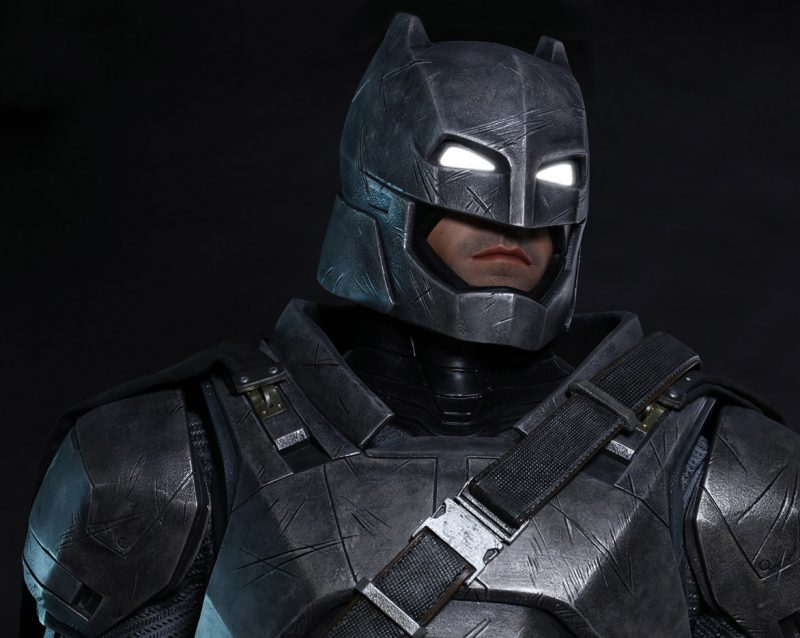 dawn-of-justice-armored-batman-life-size_3