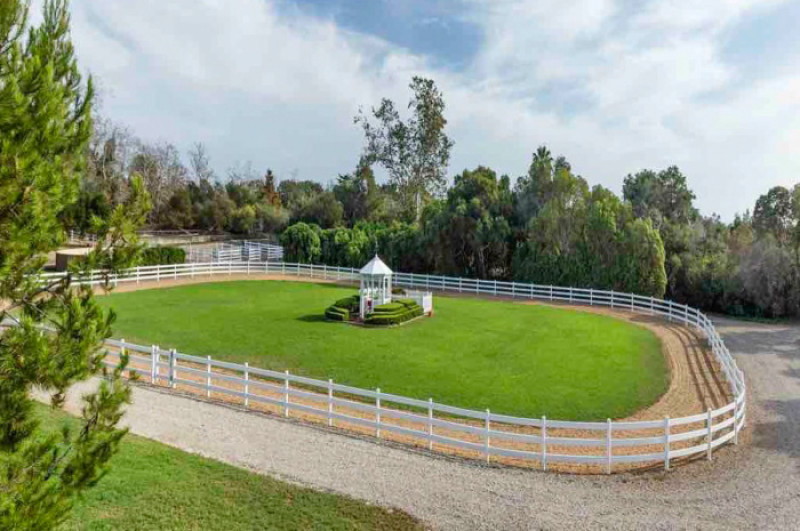 oprahwinfrey_IEquestrian_Estate_California_5