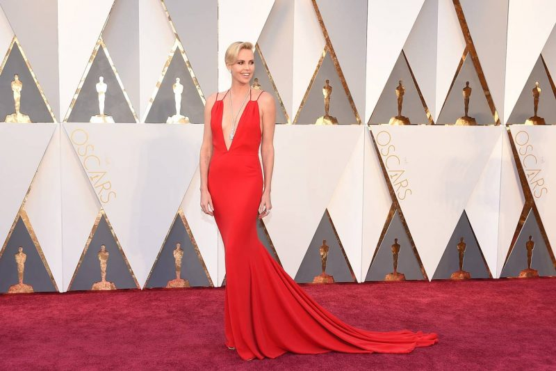 oscars2016_red_Carpet_Charlize_Theron