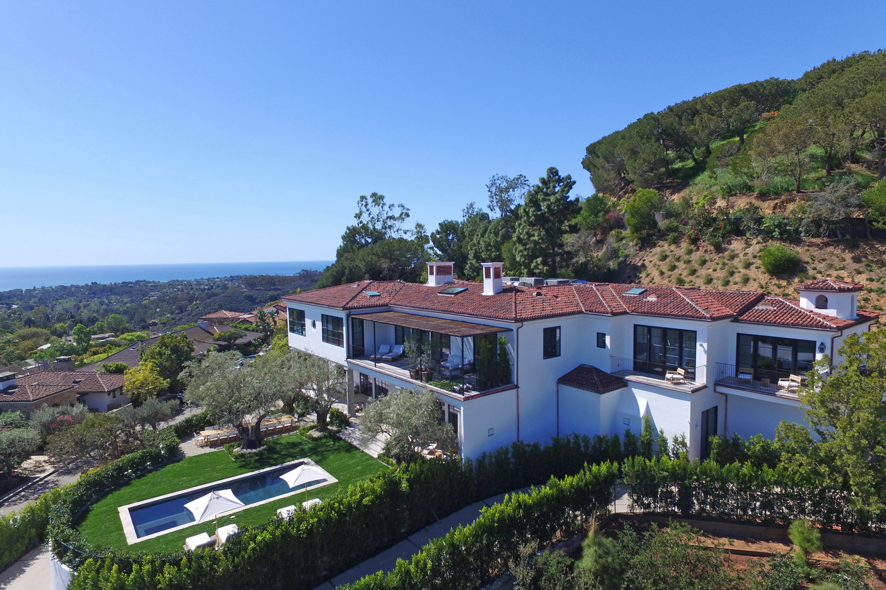 Ronald Reagans Pacific Palisades Property Is Up For 33