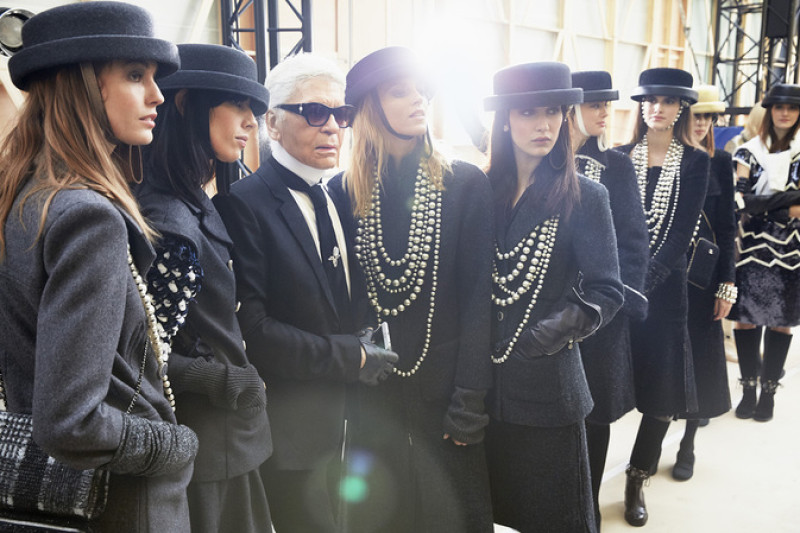 chanel-fall-winter-ready-to-wear-2016-17-karl_lagerfeld