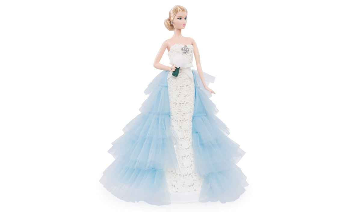 Oscar de la Renta's Barbie Doll Dresses Up In A Runway Bridal Gown