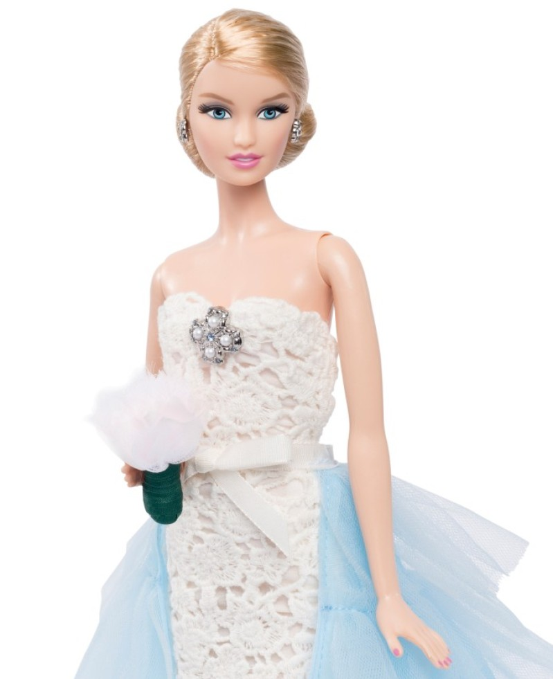 OSCAR_DE_LE_RENTA_BARBIE_DOLL_3