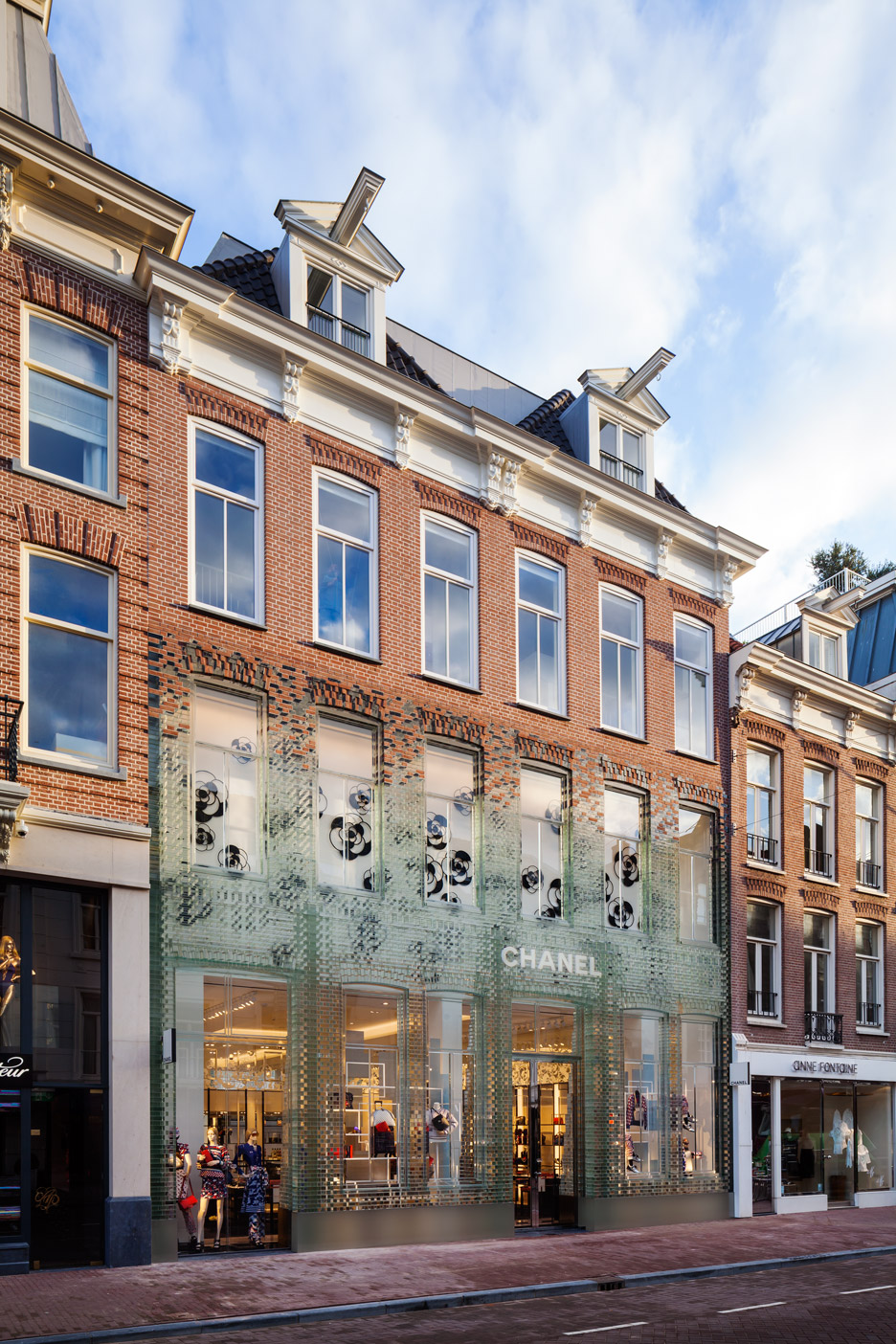 Stunning Glass-Front Chanel Boutique In Amsterdam2