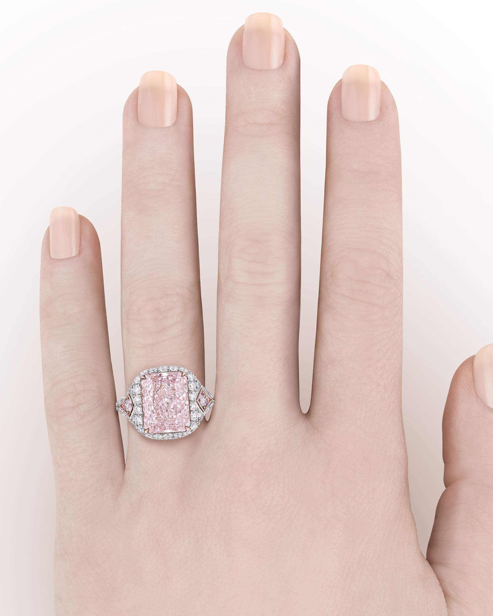 A $5 Million Pink Diamond Ring We\'d Love to Sparkle In - Pursuitist