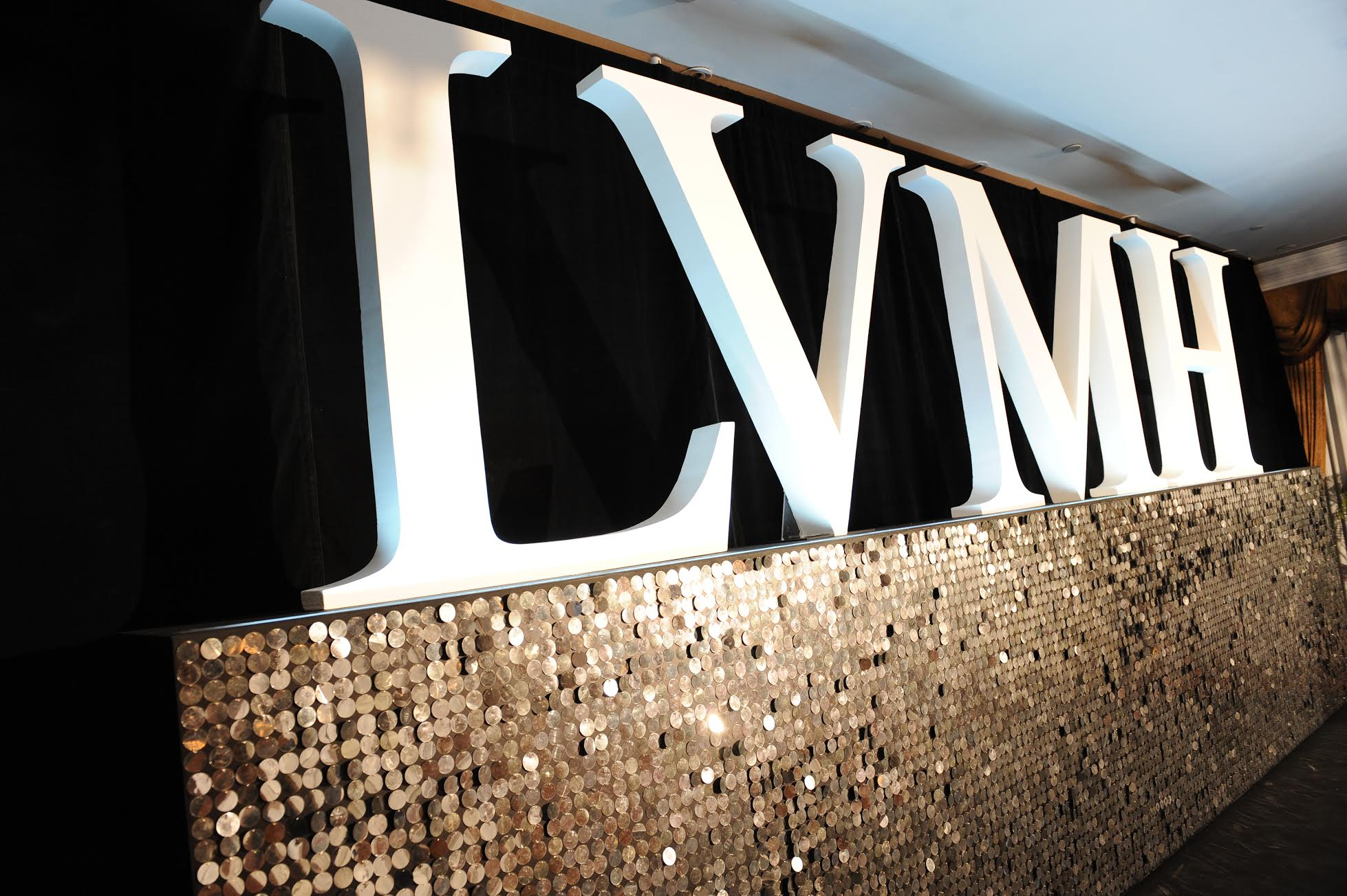 Mercedes Benz Of Memphis >> LVMH Announces 3D Showcase for La Samaritaine Project - Pursuitist