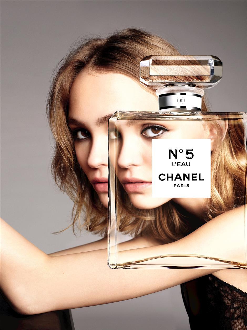 Lily-Rose Depp For Chanel No 5 L'Eau2