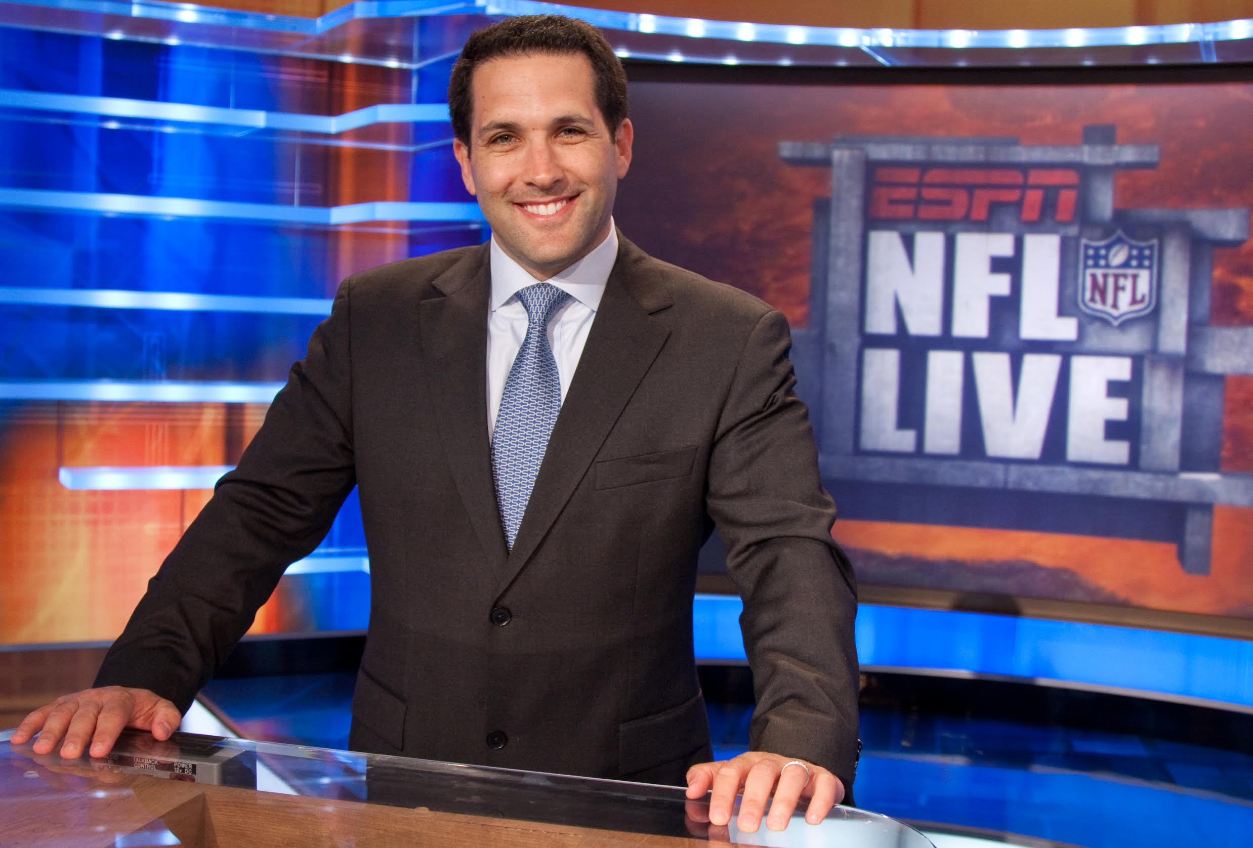 The Overhead Compartment With Adam Schefter3
