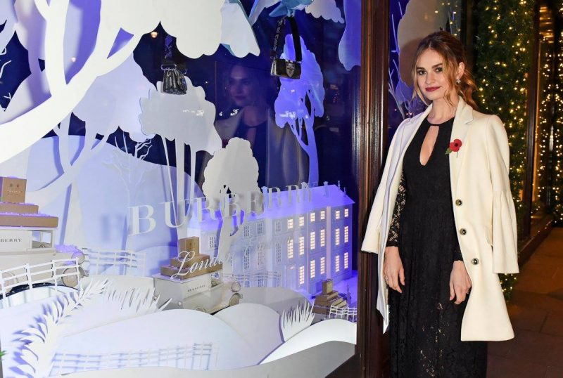 BurberryChristmas-Harrods-Windows_Lily_James_1