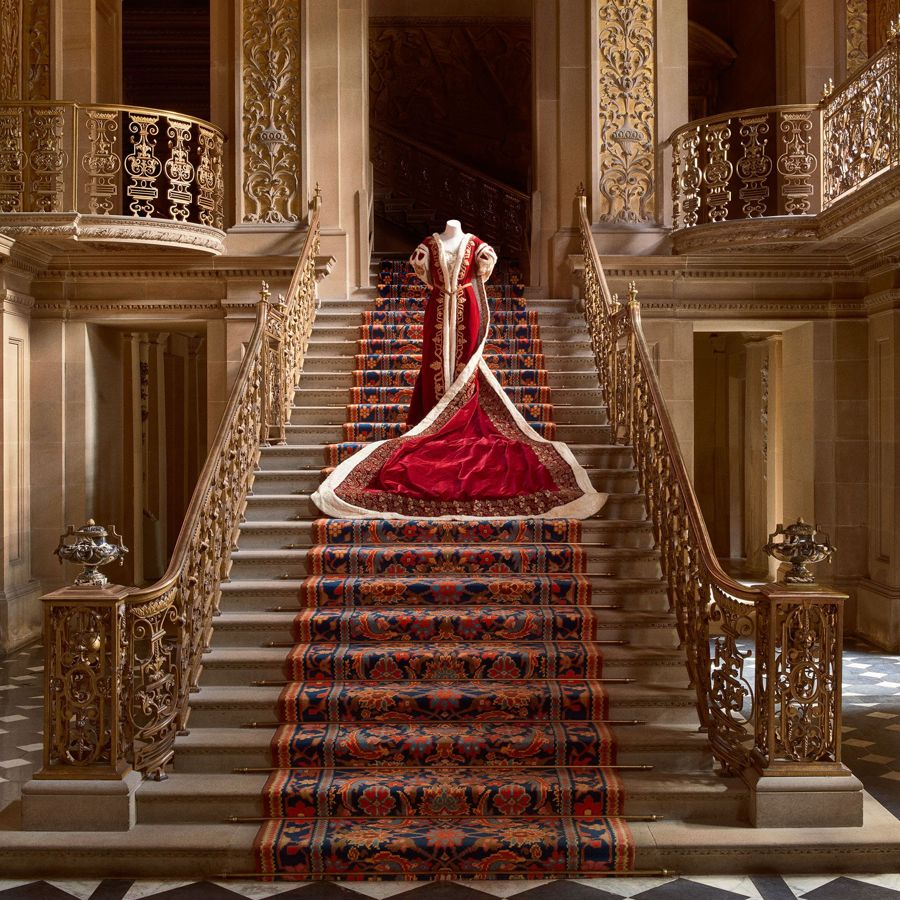 House Style Five Centuries Of Fashion At Chatsworth Pursuitist