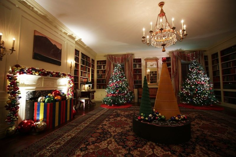 christmas home decor ideas 2016 a look at obamas last christmas at the white house 12004