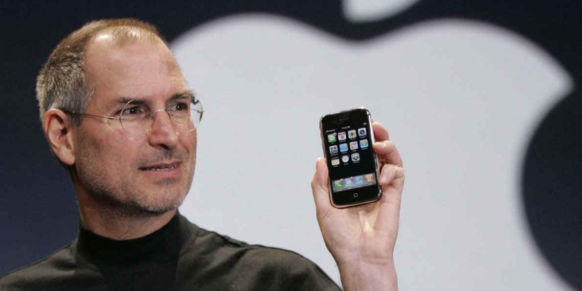 Steve Jobs Presented The First Apple iPhone 10 Years Ago
