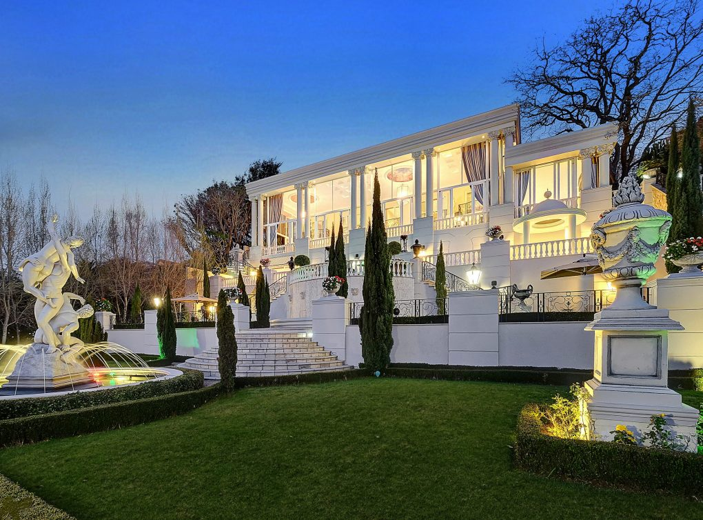 Daily dream home south africa 39 s gatsby estate pursuitist for Estate house