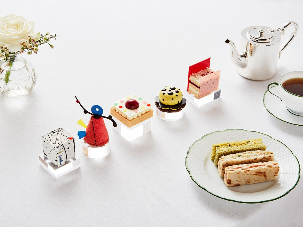 Banksy-Inspired Dessert At London's Rosewood Hotel