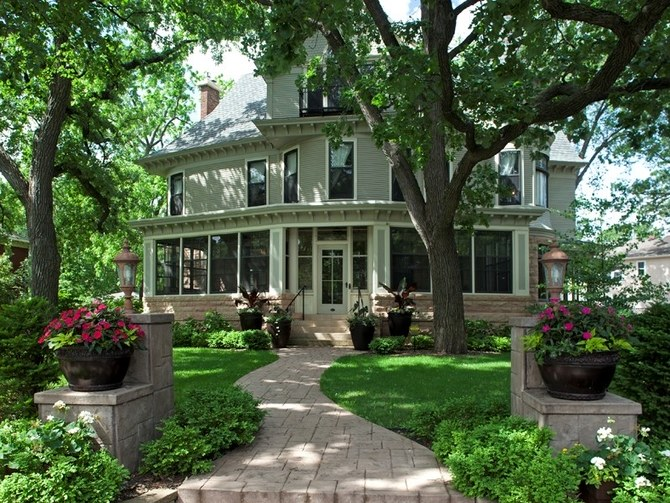 Mary Tyler Moore Show House Is Up For $1.7 Million