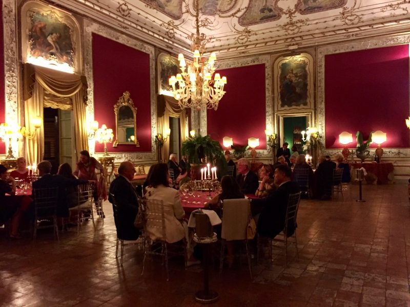 The dining room at Palazzo Ajutamicristo