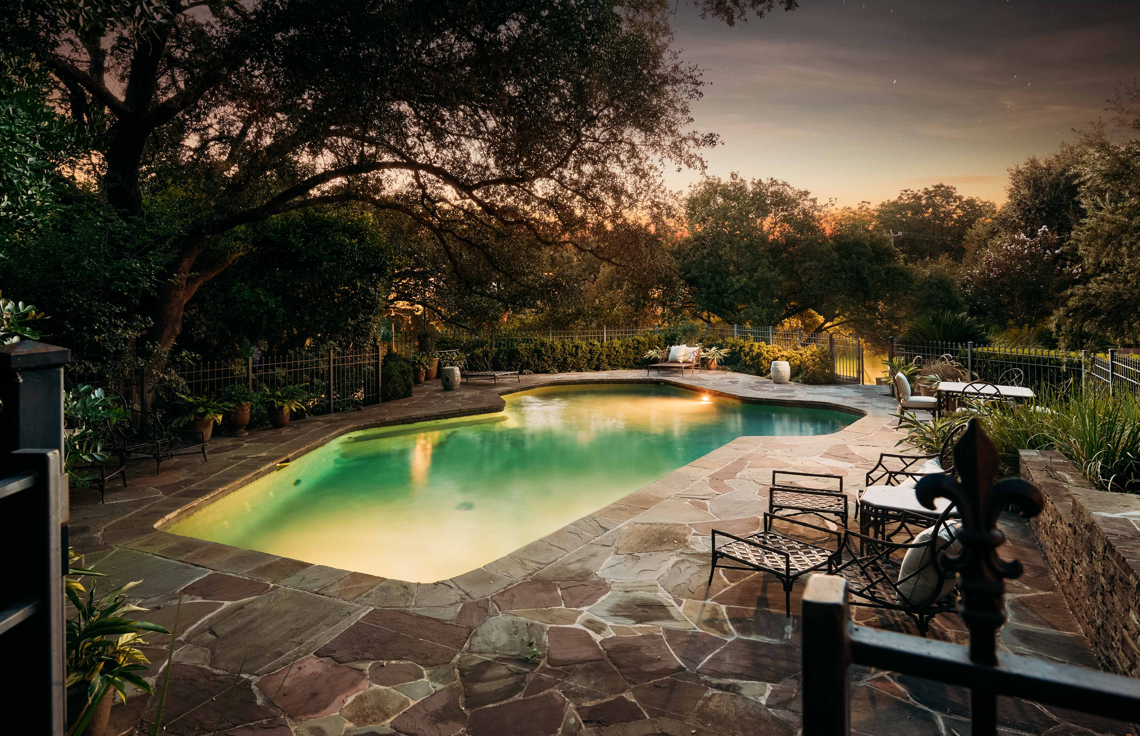 Daily dream home terrell hills pursuitist for Pool show san antonio