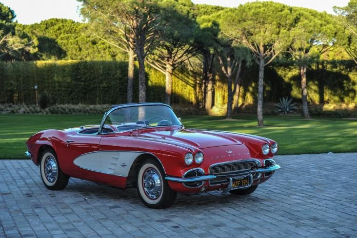 Bid On This Brad Pitt Signed 1961 Chevy Corvette