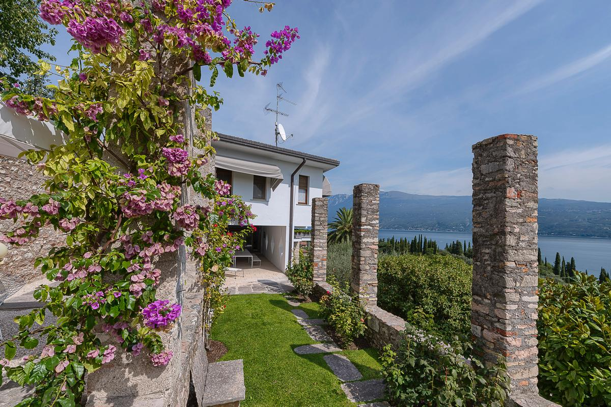 Daily Dream Home: Lake  Garda