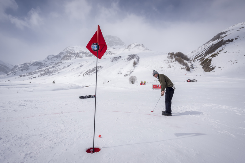 Play Snow Golf At The BMW Val d'Isère Winter Golf Cup