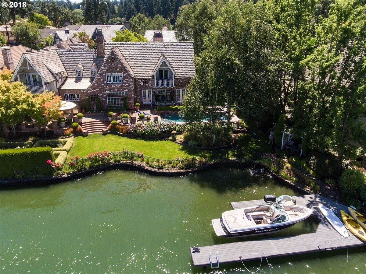 Daily Dream Home: Lake Oswego
