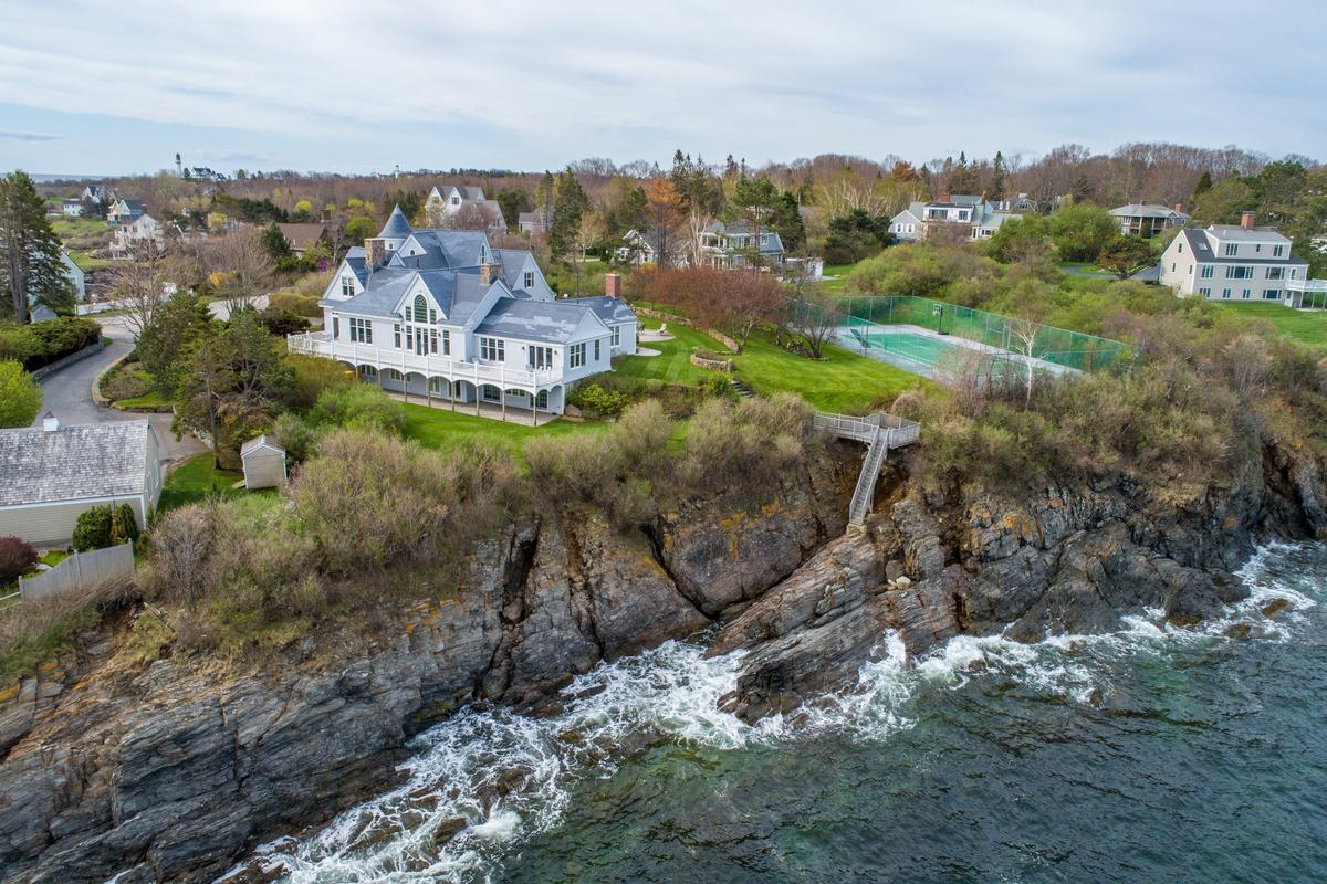 Daily Dream Home: Cape Elizabeth
