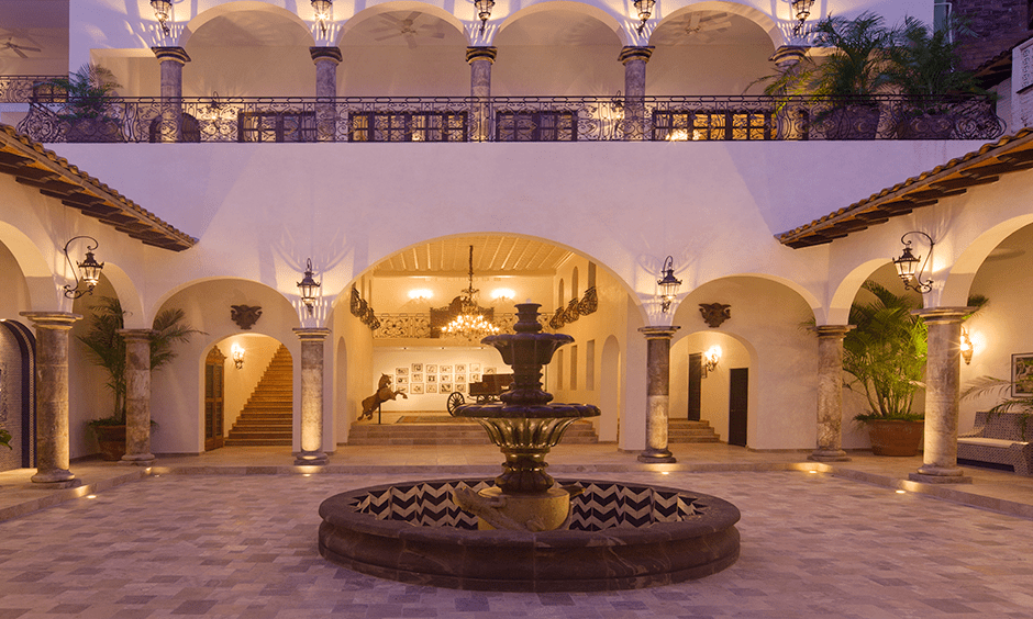 Escape to Puerto Vallarta Like Hollywood Royalton