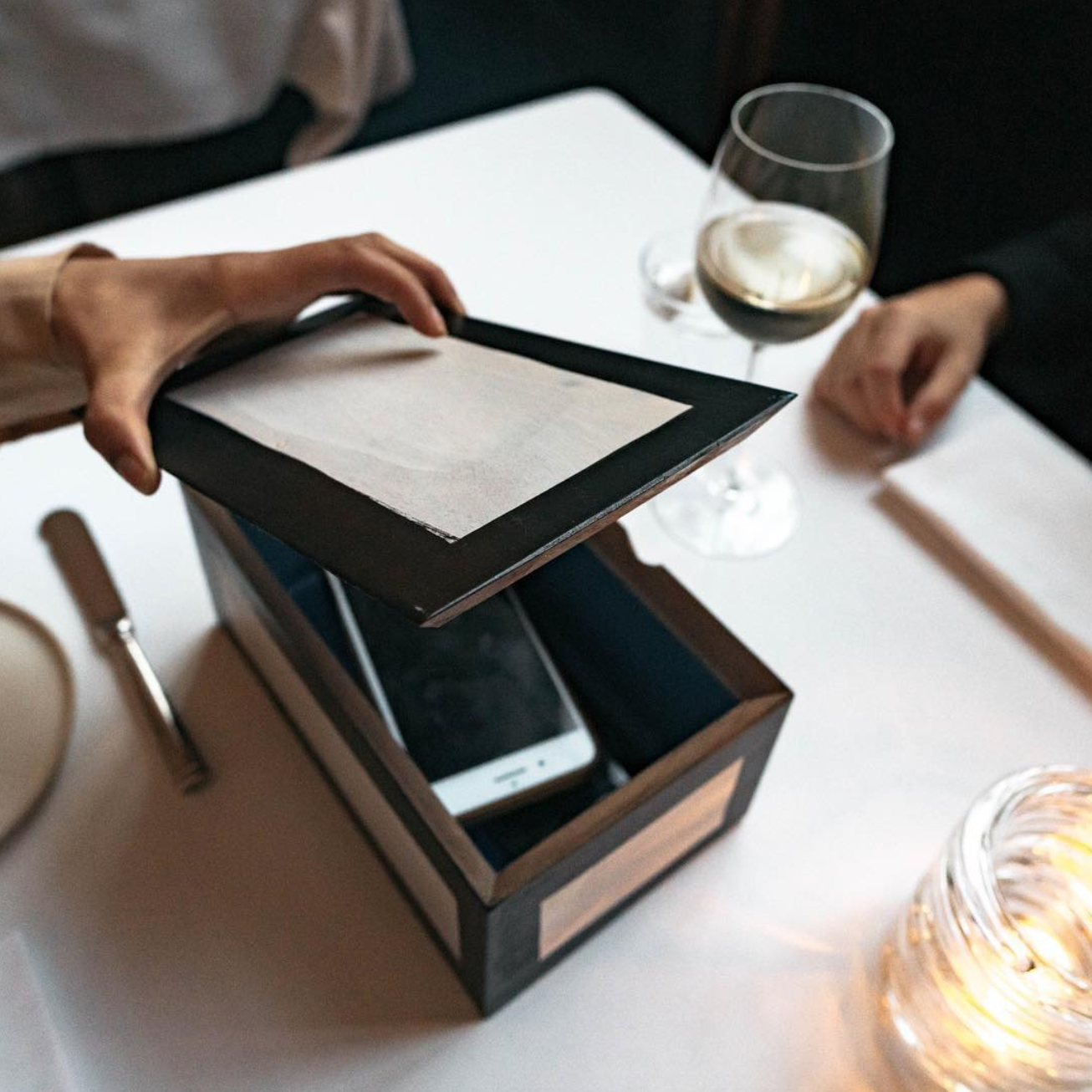 Eleven Madison Park Offers A Box To Hide Away Your Phone