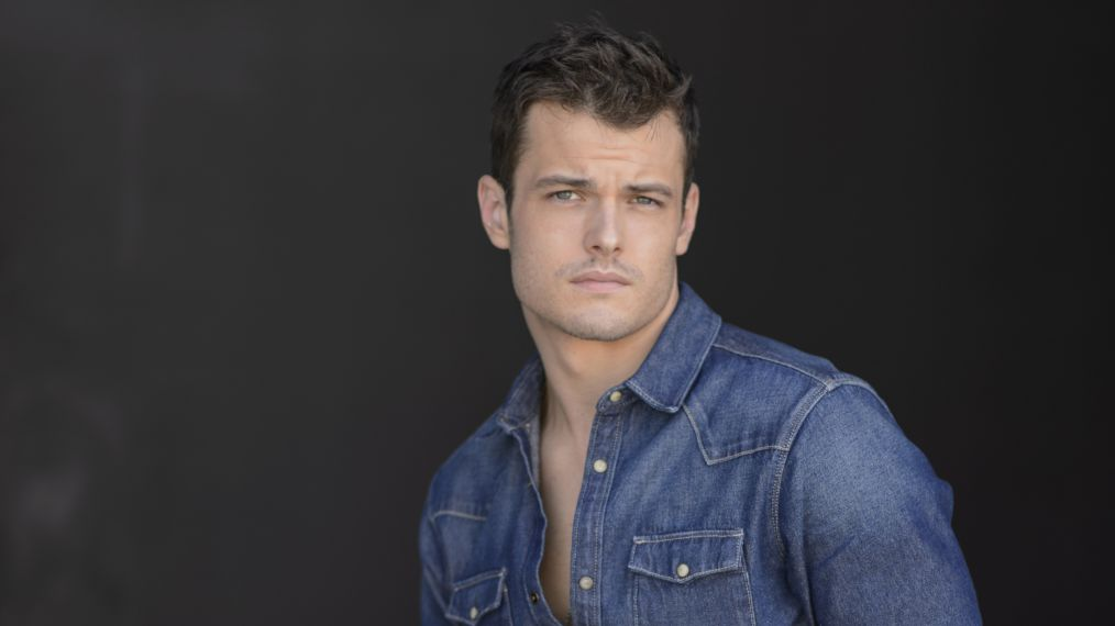The Overhead Compartment with Michael Mealor